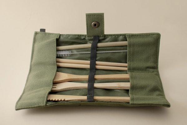 set cubiertos de bambu