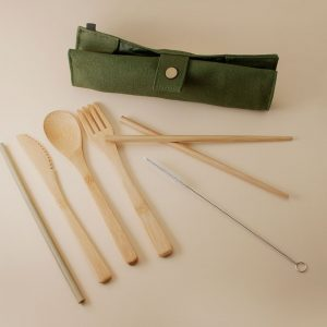 set cubiertos de bambú